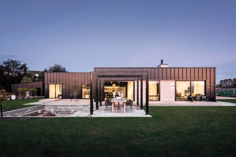 Amberley Family Home Vulcan Cladding in Sioox Finish Abodo Wood 6