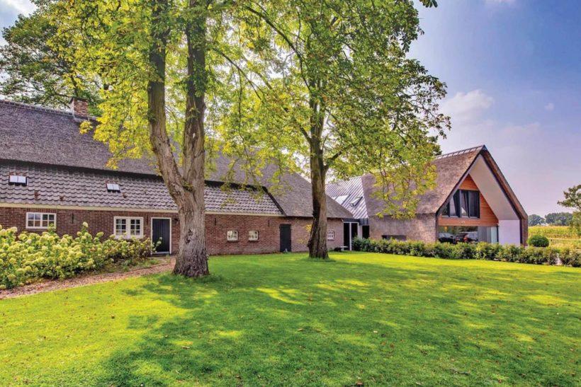 Berkter Hoef Farmhouse - Sand Rhombus - Abodo Wood