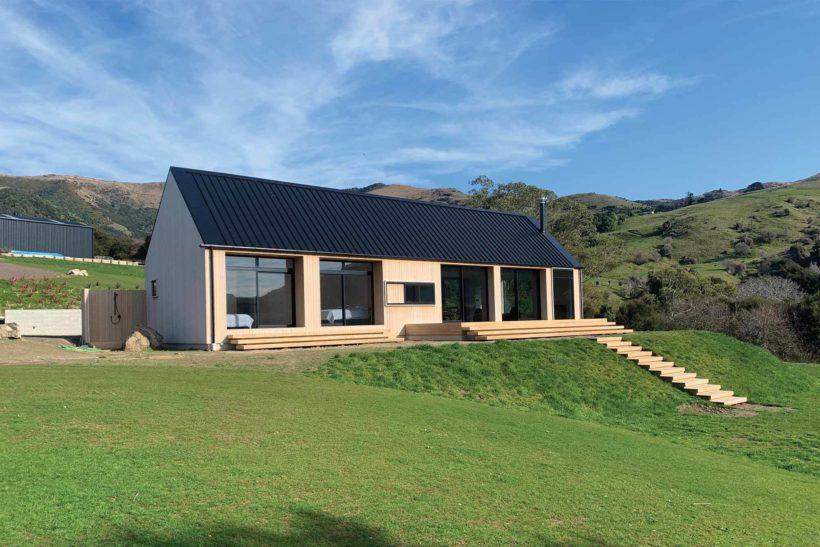 Coastal Banks Peninsular House Vulcan Cladding in Sioox finish Abodo Wood 2