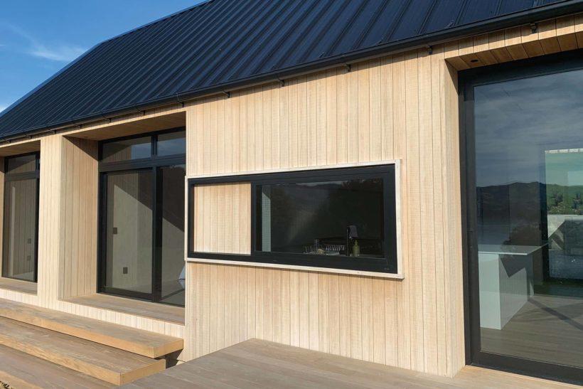 Coastal Banks Peninsular House Vulcan Cladding in Sioox finish Abodo Wood 3