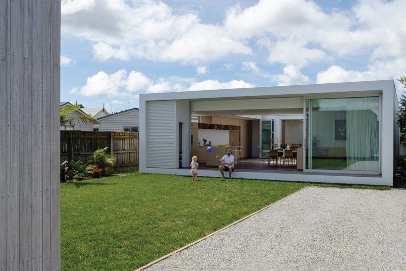 Shane Kingsbeers Gisborne home and studio Vulcan timber Abodo Wood