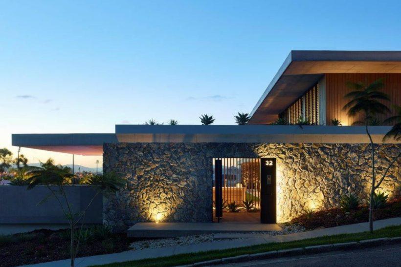 Toorak Road Luxury Home - Vulcan Cladding - Abodo Wood