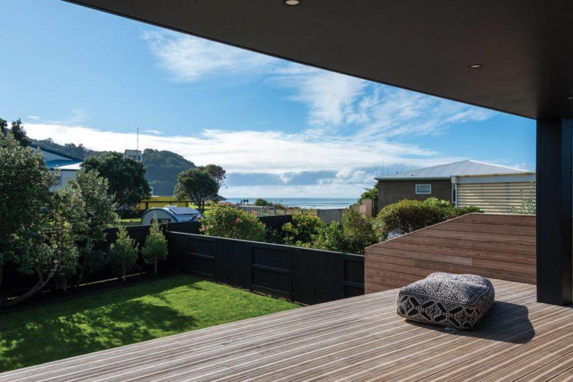 Waihi Beach House Vulcan Decking and Rhombus Clip Abodo Wood 8
